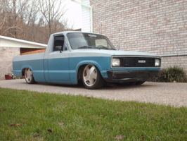 slammed83mazdas 1983 Mazda B Series Truck photo thumbnail