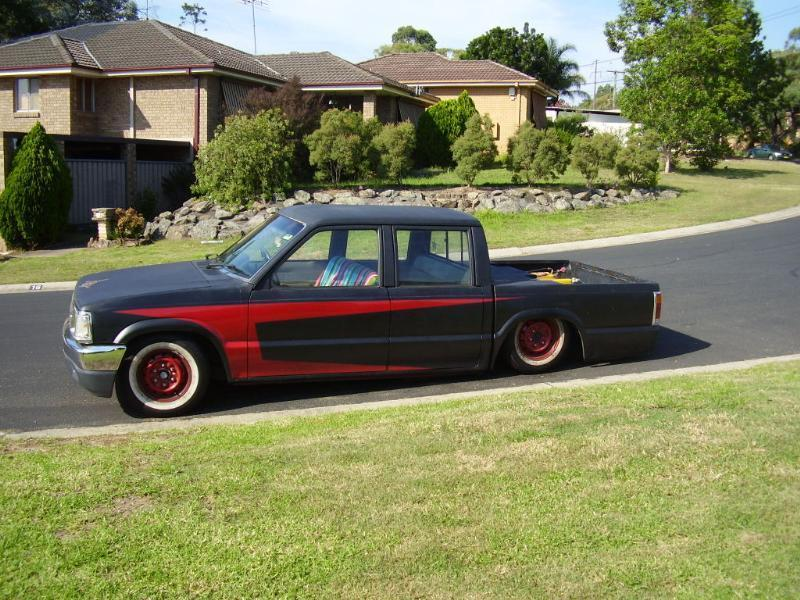 zaminiss 1989 Mazda B Series Truck photo