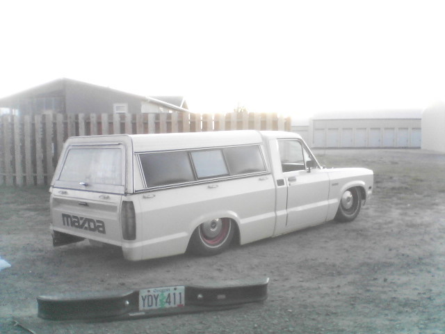 oldloweightfos 1984 Mazda B Series Truck photo