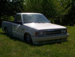 vidraggins 1987 Mazda B Series Truck photo thumbnail