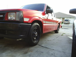 sncflows 1987 Mazda B Series Truck photo thumbnail