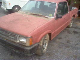 buried1s 1987 Mazda B Series Truck photo thumbnail