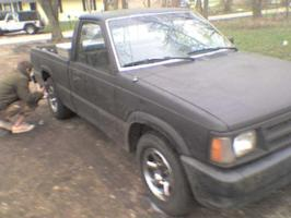 zakkwyldes 1987 Mazda B Series Truck photo thumbnail