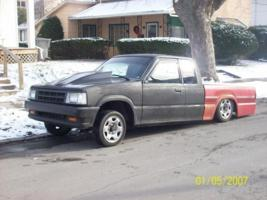 1990b26akathebeasts 1990 Mazda B Series Truck photo thumbnail