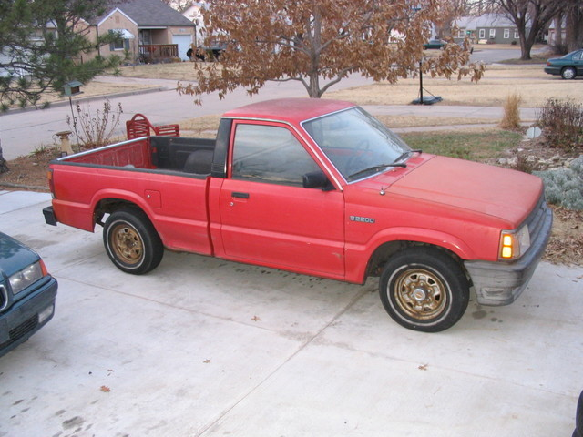lwrdinus 1988 Mazda B Series Truck photo