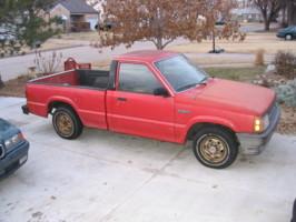 lwrdinus 1988 Mazda B Series Truck photo thumbnail