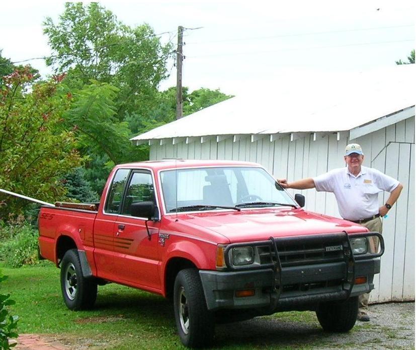 old reds 1989 Mazda B Series Truck photo