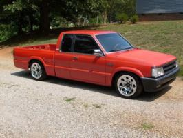 dropped90(justin)s 1990 Mazda B Series Truck photo thumbnail