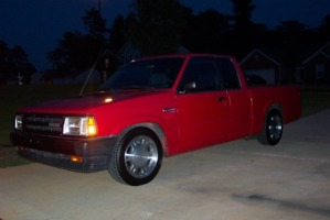 diablos 1990 Mazda B Series Truck photo thumbnail