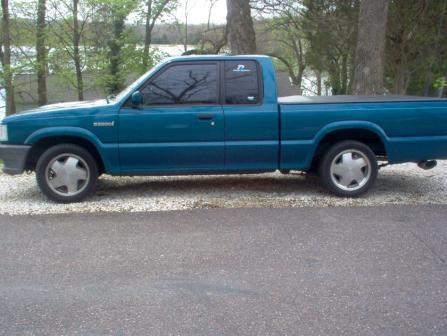 hopps53s 1993 Mazda B Series Truck photo