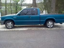 hopps53s 1993 Mazda B Series Truck photo thumbnail