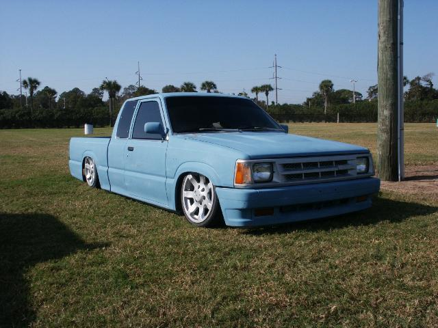 lowonairs 1986 Mazda B Series Truck photo
