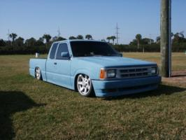 lowonairs 1986 Mazda B Series Truck photo thumbnail