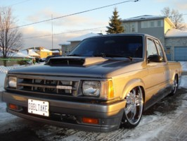 mazdaon22ʹss 1987 Mazda B Series Truck photo thumbnail