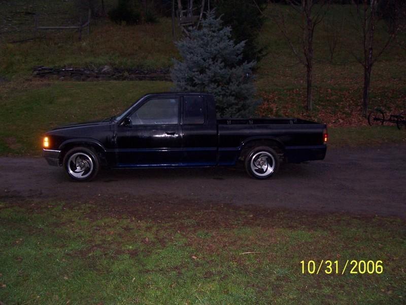elbine69s 1993 Mazda B Series Truck photo