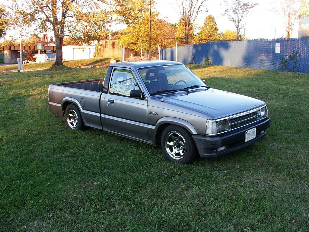 nightdwellas 1992 Mazda B Series Truck photo