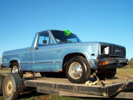 lower_than_my_ex*s 1983 Mazda B Series Truck photo thumbnail