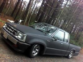 tunameltmans 1986 Mazda B Series Truck photo thumbnail