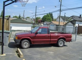 airkores 1992 Mazda B Series Truck photo thumbnail