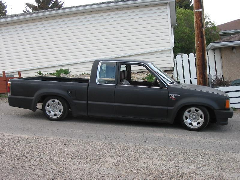 jesters 1987 Mazda B Series Truck photo
