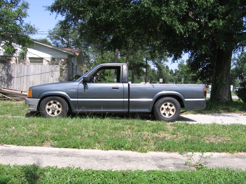89mazdawg(daniel)s 1989 Mazda B Series Truck photo