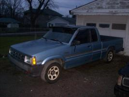 mazdachicks 1987 Mazda B Series Truck photo thumbnail