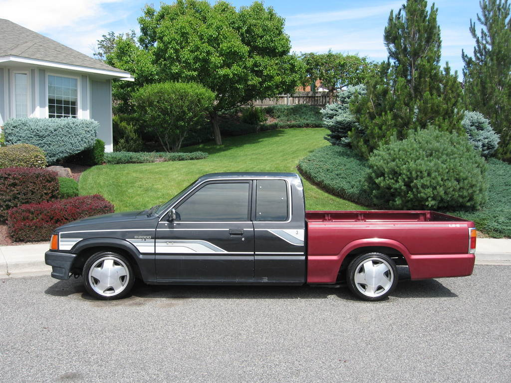 long roofs 1986 Mazda B Series Truck photo