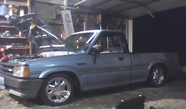 fatkids 1987 Mazda B Series Truck photo
