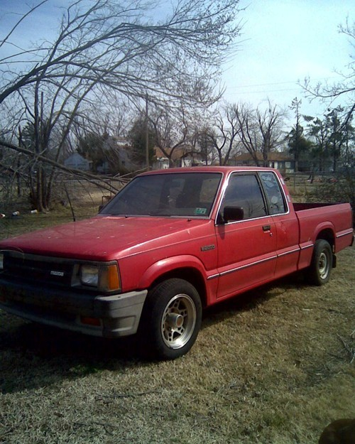 87 mazdas 1987 Mazda B Series Truck photo