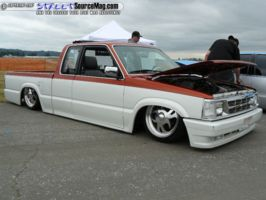 laydouts 1992 Mazda B Series Truck photo thumbnail