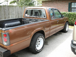 brown86s 1986 Mazda B Series Truck photo thumbnail