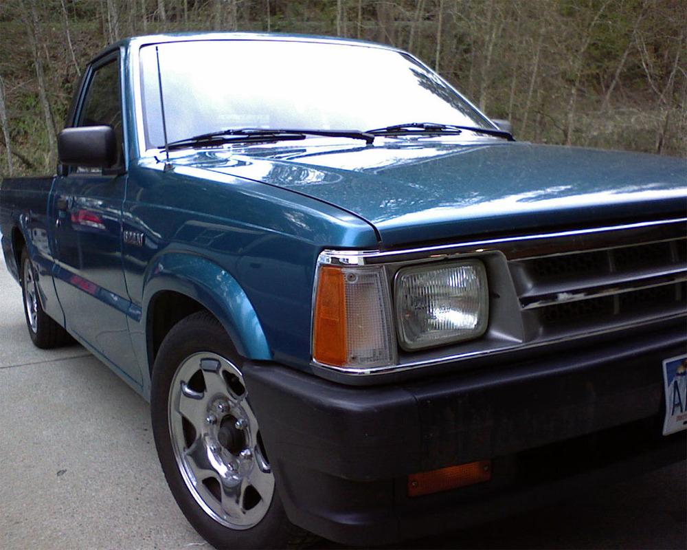 mazda_matteos 1992 Mazda B Series Truck photo
