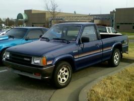 88b22s 1988 Mazda B Series Truck photo thumbnail