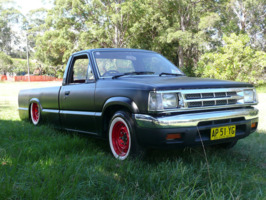 brendos 1985 Mazda B Series Truck photo thumbnail
