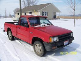 shilaeli huggr (burdaddy)s 1989 Mazda B Series Truck photo thumbnail