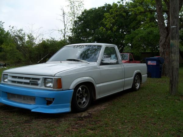 twistedsmilys 1986 Mazda B Series Truck photo