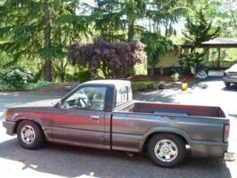 seattle mazda guys 1986 Mazda B Series Truck photo thumbnail