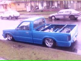jealousonesenvys 1989 Mazda B Series Truck photo thumbnail