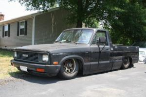 cnsparxs 1984 Mazda B Series Truck photo thumbnail