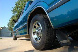 93 2600i(zach)s 1993 Mazda B Series Truck photo thumbnail
