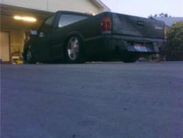 bagged86b2000s 1986 Mazda B Series Truck photo thumbnail