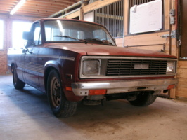 trplezros 1984 Mazda B Series Truck photo thumbnail