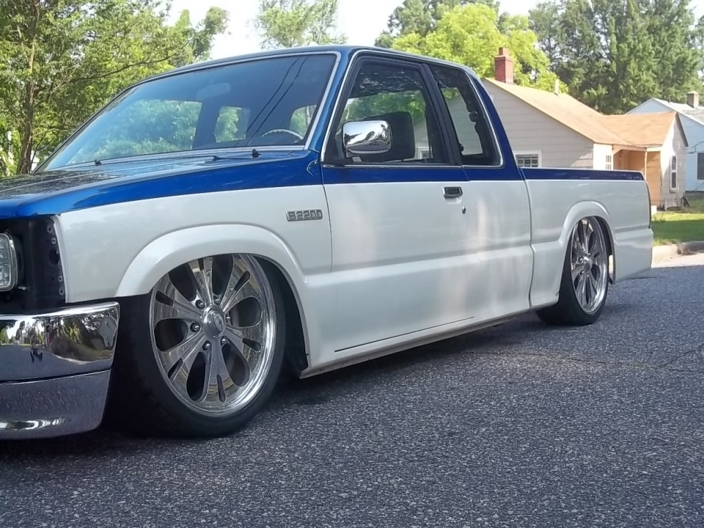 twotonemaz (johnny)s 1988 Mazda B Series Truck photo