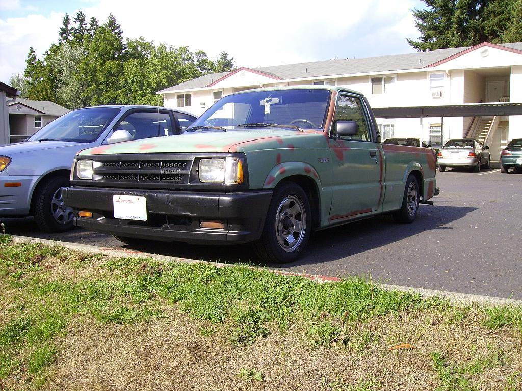 ledevils 1986 Mazda B Series Truck photo