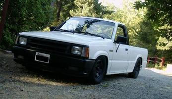 ledevils 1986 Mazda B Series Truck photo thumbnail
