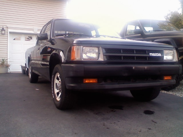 dragn37s 1992 Mazda B Series Truck photo