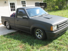 xulf13s 1988 Mazda B Series Truck photo thumbnail