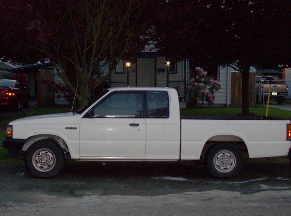 neptunes 1987 Mazda B Series Truck photo