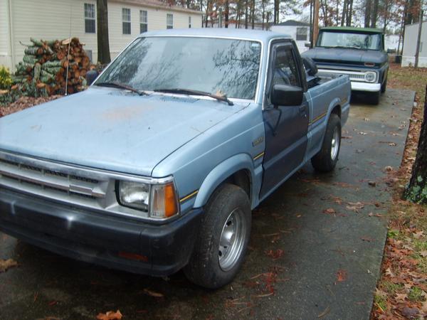corkys 1989 Mazda B Series Truck photo