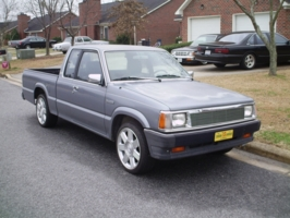 h2omelon(nick)s 1990 Mazda B Series Truck photo thumbnail